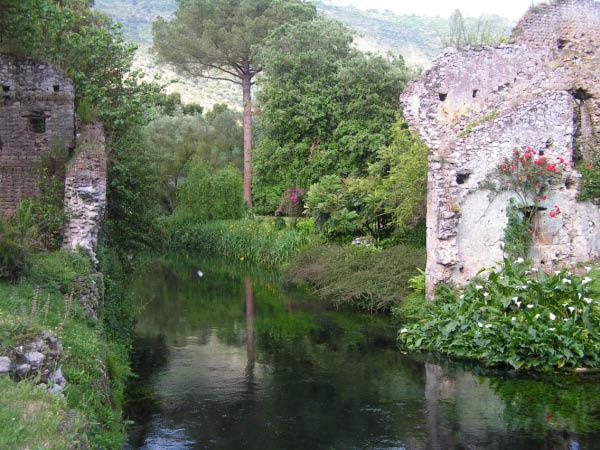Il giardino di ninfa oasi naturalistica unica al mondo - I giardini di ninfa ...