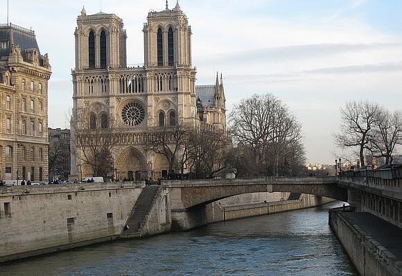 Parigi pacchetto viaggio viaggi e vacanze for Soggiorno a parigi