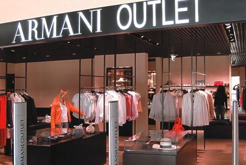 Spacci moda dove vendono a prezzi scontati le grandi griffe viaggi e vacanze - Outlet della piastrella milano ...