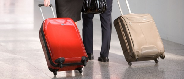 Bagaglio a mano le norme per chi viaggia in aereo - Cosa posso portare in aereo con bagaglio a mano ...
