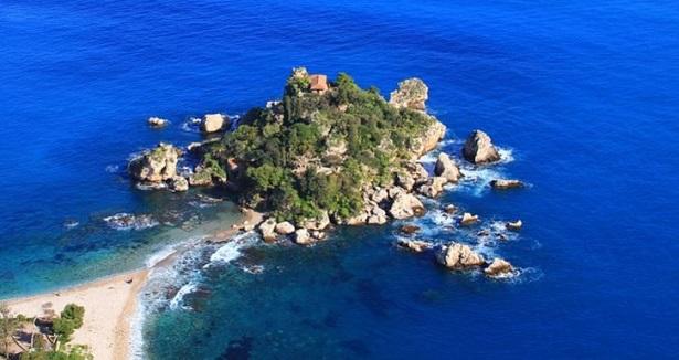 Maggio al mare in Italia
