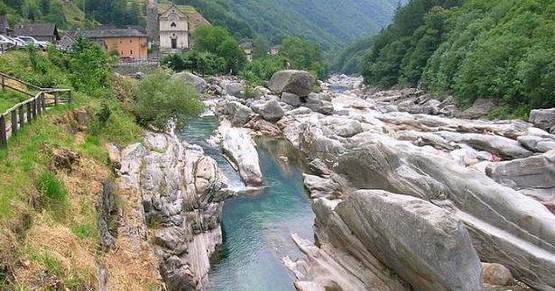 Val Verzasca: tuffi