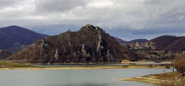 Castel di Tora: cosa vedere